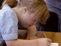 Центры помощи детям с синдромом Дауна ждут специалистов